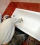 Установка металлической ванны в квартире